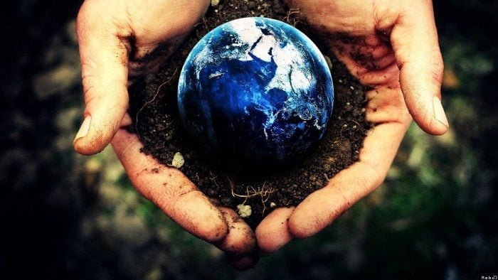 Earth-In-Your-Hand